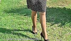Chesty mature cutie fucked outdoors