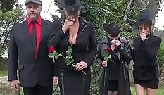 Bearded freak got the extremely hot ball of sex and performed awesome hard
