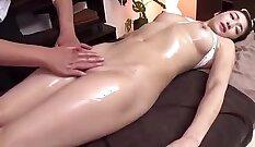 Beautiful Japanese girl Easu Mizuki is fingering a thick n chunky sausage