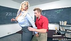 College chick gets her tight ass drilled hardcore