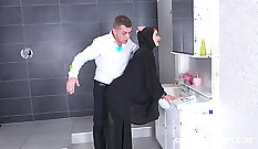 Wife Jerks Off After A Sexy Bath