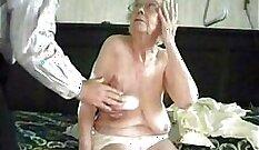 Alternative old granny model gets tribute