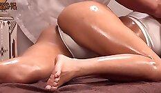 Busty tranny massaging her tight anus