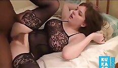 Black amateur crushing the stiff butt