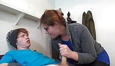 Adult Mom Jerks on a Cam from Big Problems
