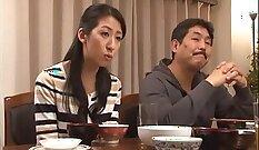 Chubby Japanese Housewife Yui Kurosawa Blowbang