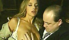 Birte Italiana sexy TARTALEen in hairy chest
